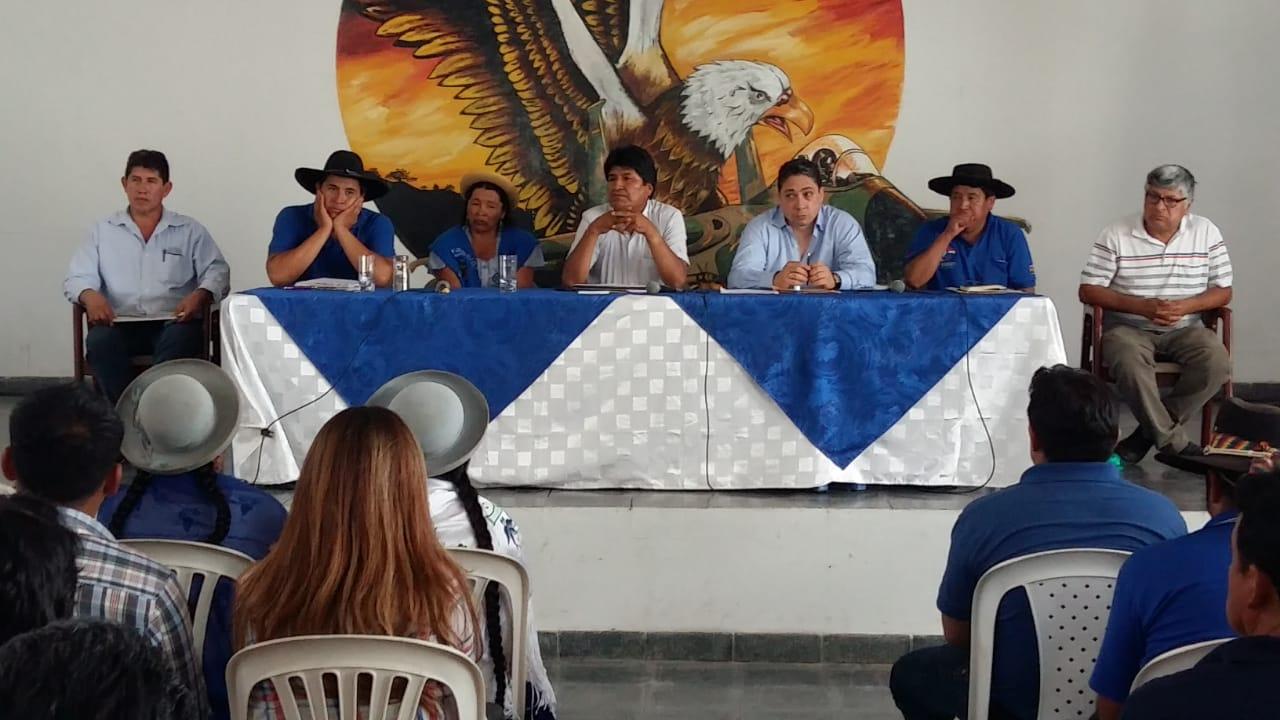 Micreros desconocen el acercamiento de Damián Castillo al MAS