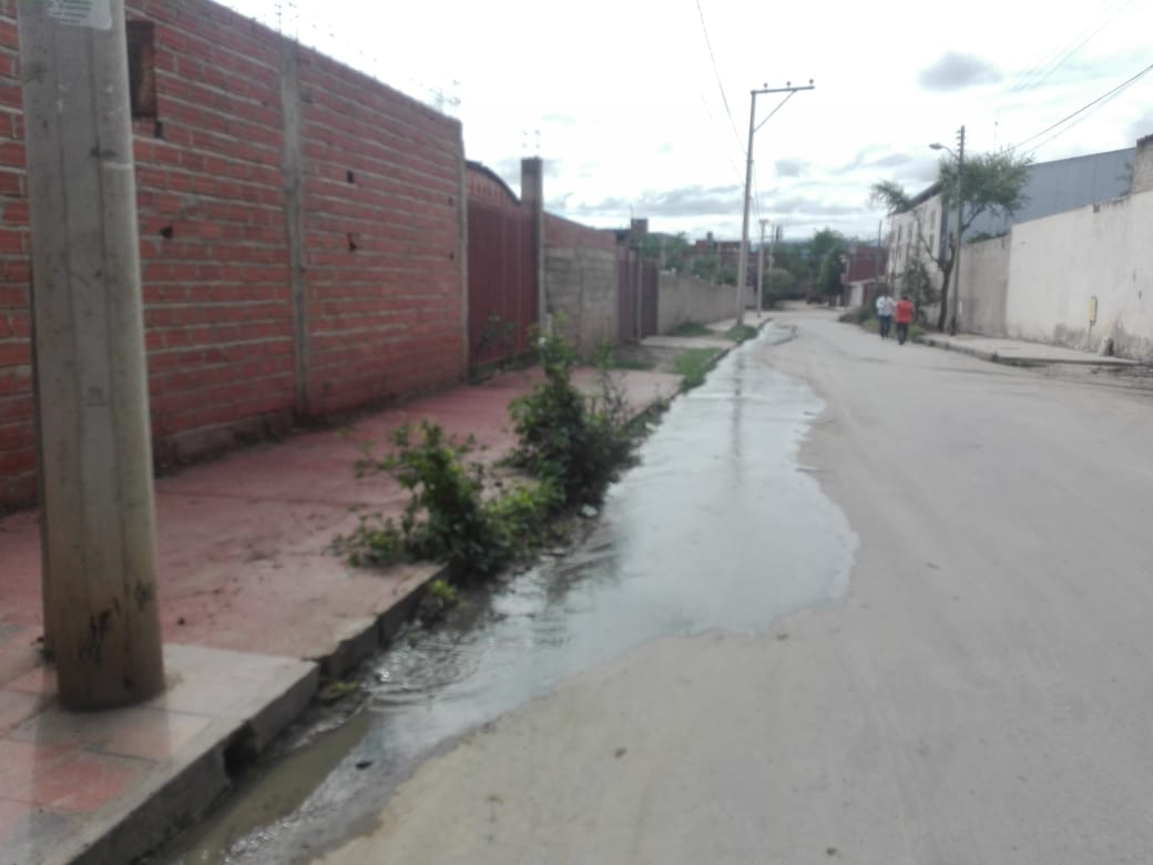 Denuncian que colapso de alcantarillas en el barrio San Jorge I no es solucionado