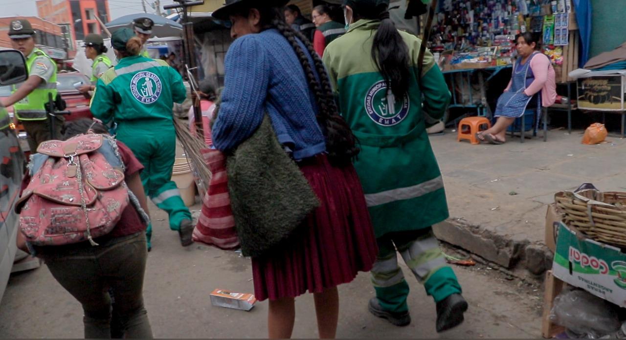 Comerciantes impiden labor de limpieza en el Campesino