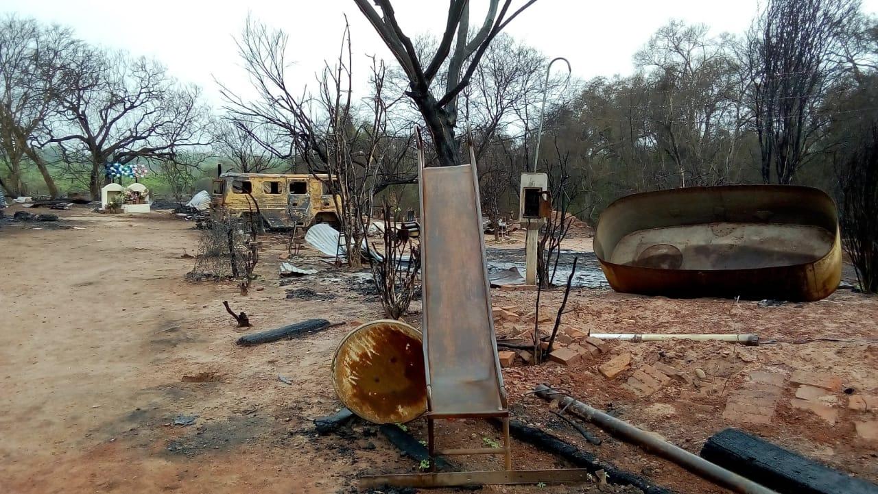 Fuego y muerte en El Pelícano