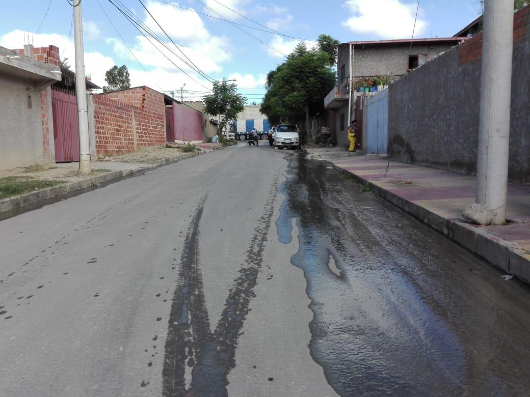Nuevo colapso en alcantarillas del penal de Morros Blancos disgusta a vecinos