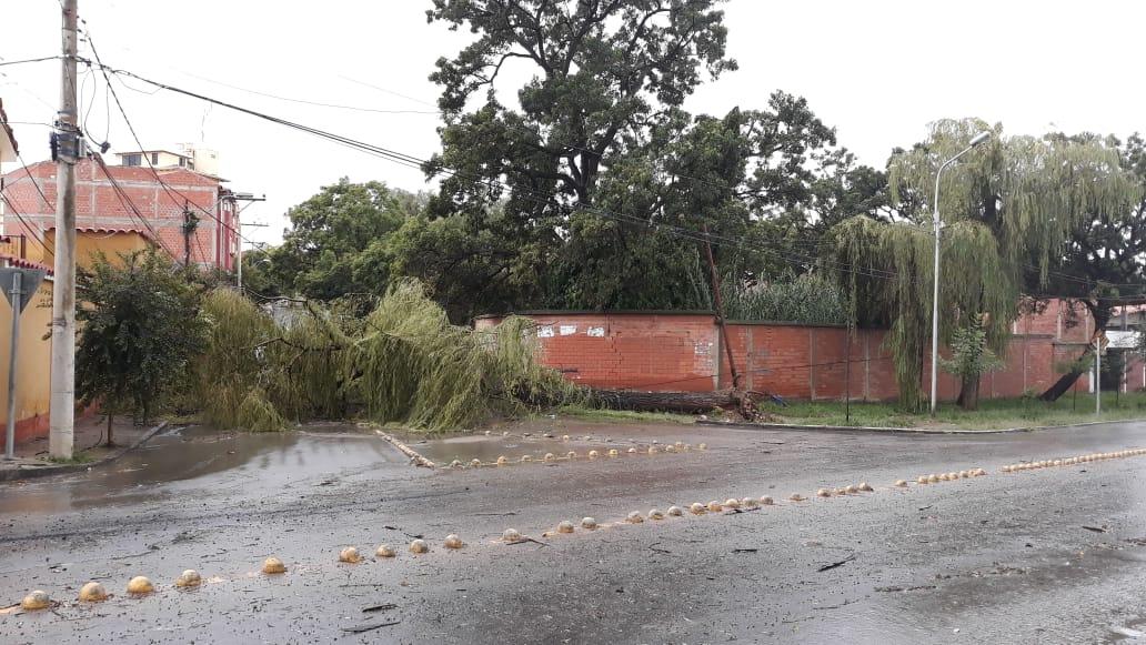 """Tormenta en Tarija causa estragos: """"un trueno y chau luz"""" (FOTOS)"""