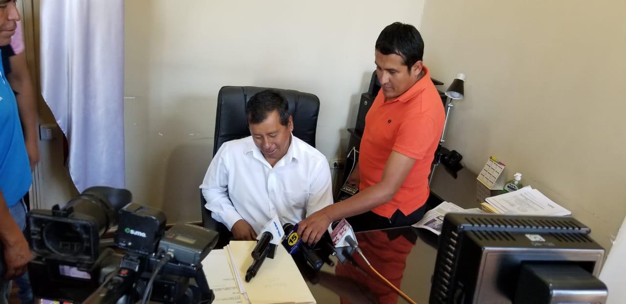 Francisco Rosas no emite comentarios en relación al nuevo compadre del alcalde Rodrigo Paz