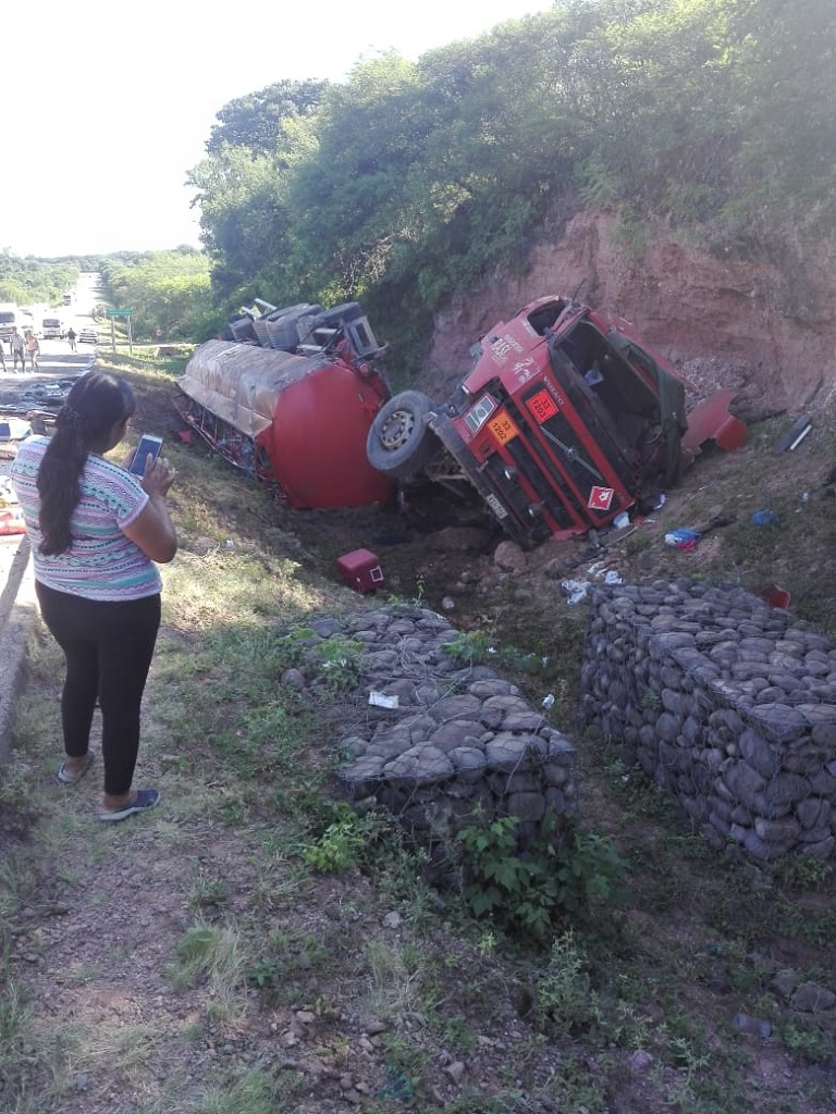Reportan heridos en accidente suscitado en la ruta Camiri - Villa Montes