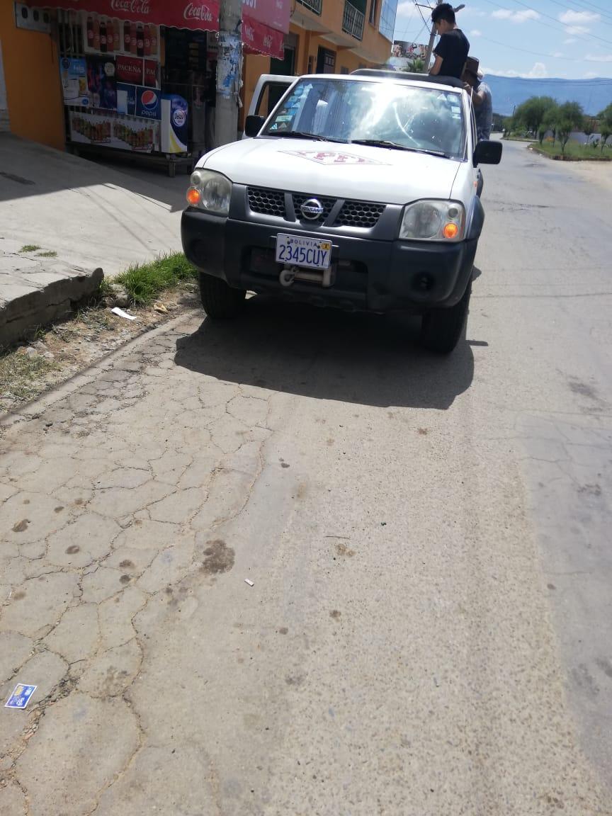 Vecinos denuncian haber visto un vehículo de YPFB con cervezas