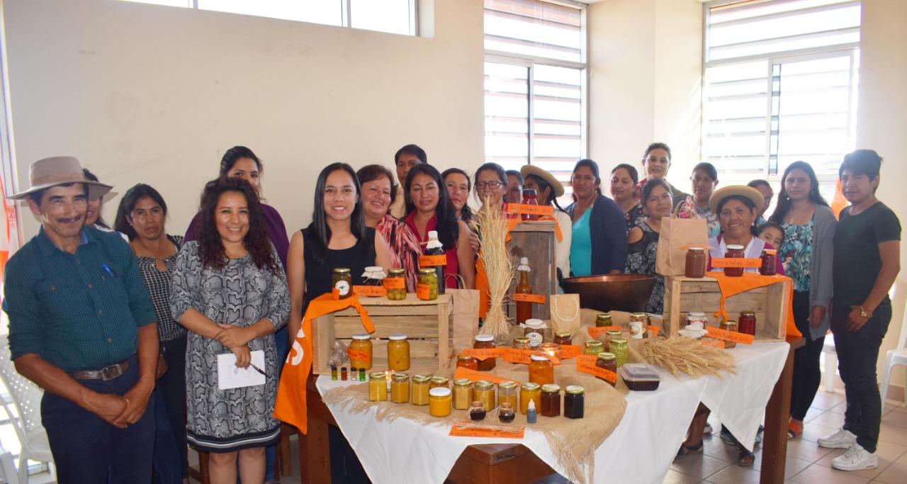 """Más de 800 capacitados en """"transformado de alimentos en el área rural"""" compartieron sus experiencias"""