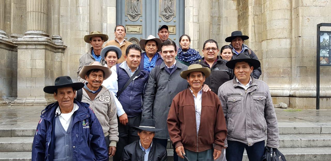 Alcalde Paz reúne a autoridades nacionales y regionales para tratar sobre proyectos en el área rural de Tarija