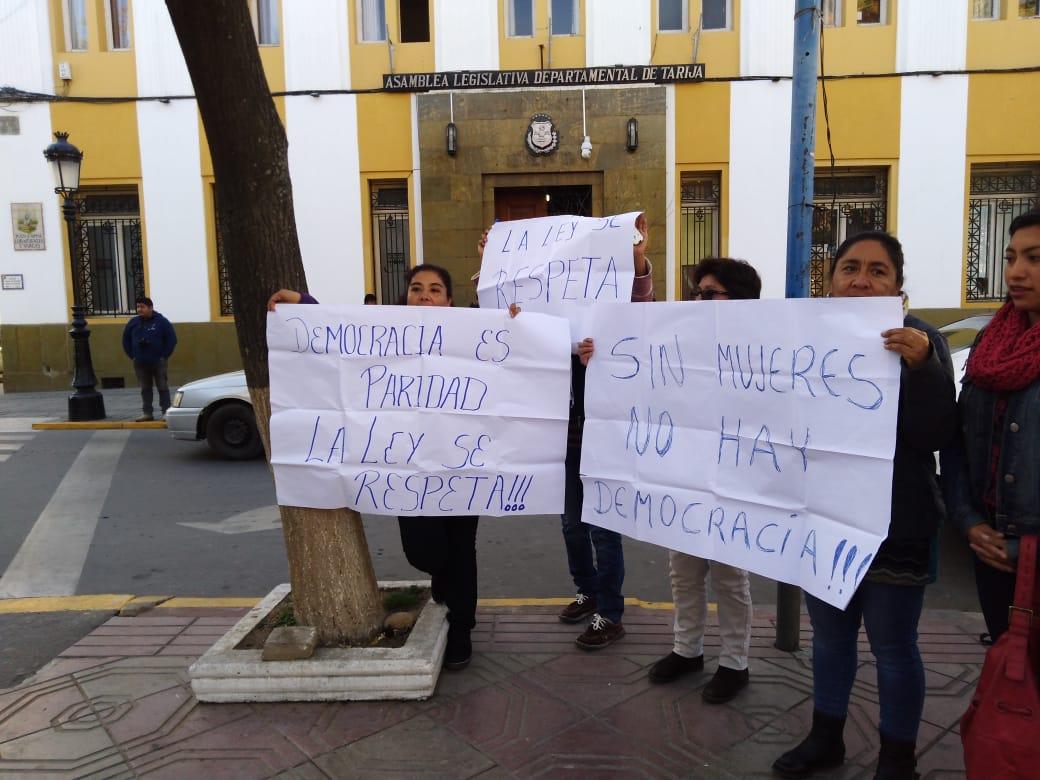"""Movilización por la paridad de género """"asusta"""" tratamiento de Ley Electoral en la Asamblea de Tarija"""