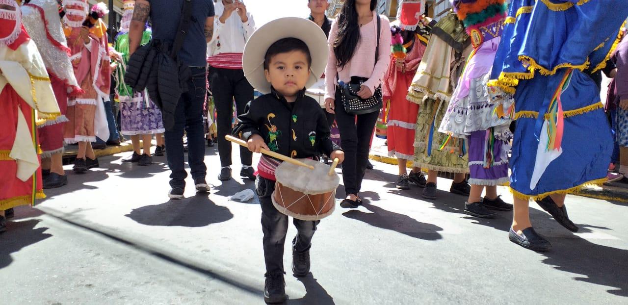 Chunchos acompañan la procesión del patrono San Roque en Tarija (Imágenes)