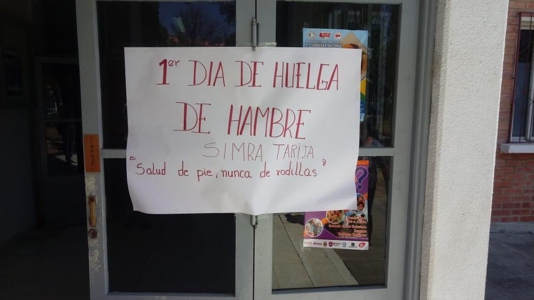 Médicos de la CNS inician primer día de huelga de hambre en Tarija