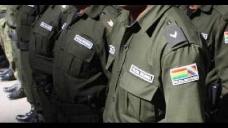 Procesan a dos policías por encubrir a supuestos delincuentes en Tarija