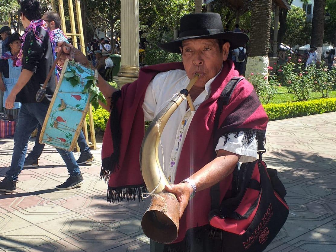 Jueves de compadres, autoridades festejan esta fecha del Carnaval Chapaco (Fotos)