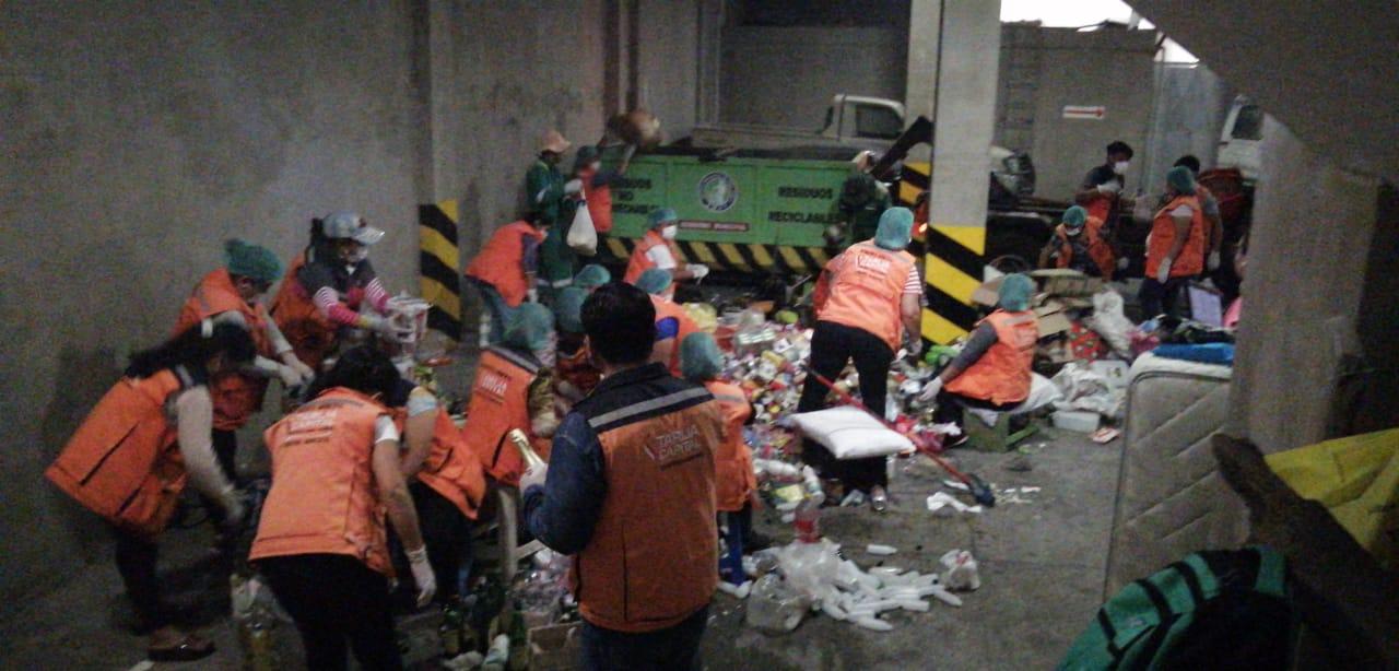 Intendencia destruye productos comisados en mal estado y no aptos para el consumo