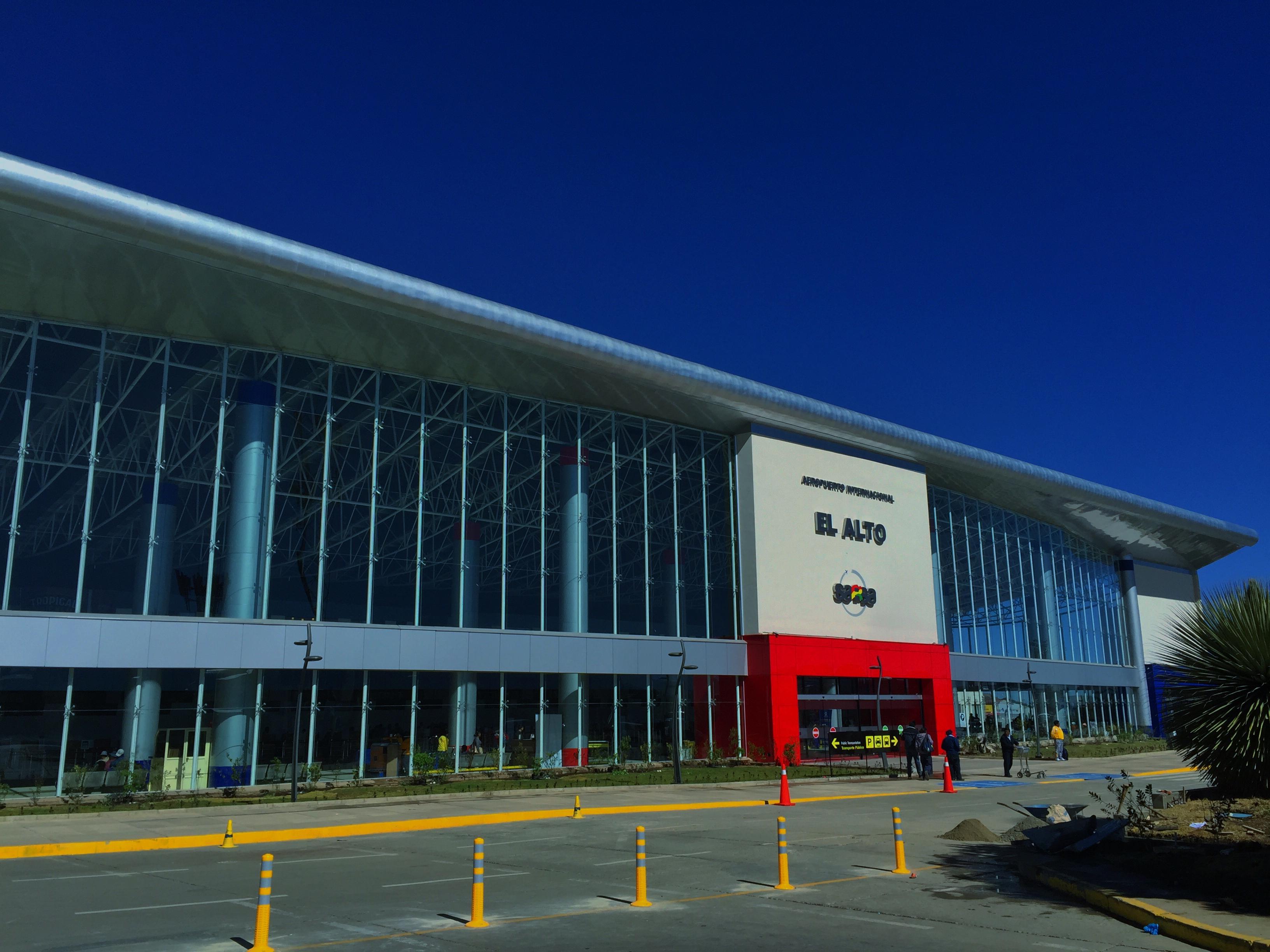 Foro definirá ruta de la aviación civil boliviana