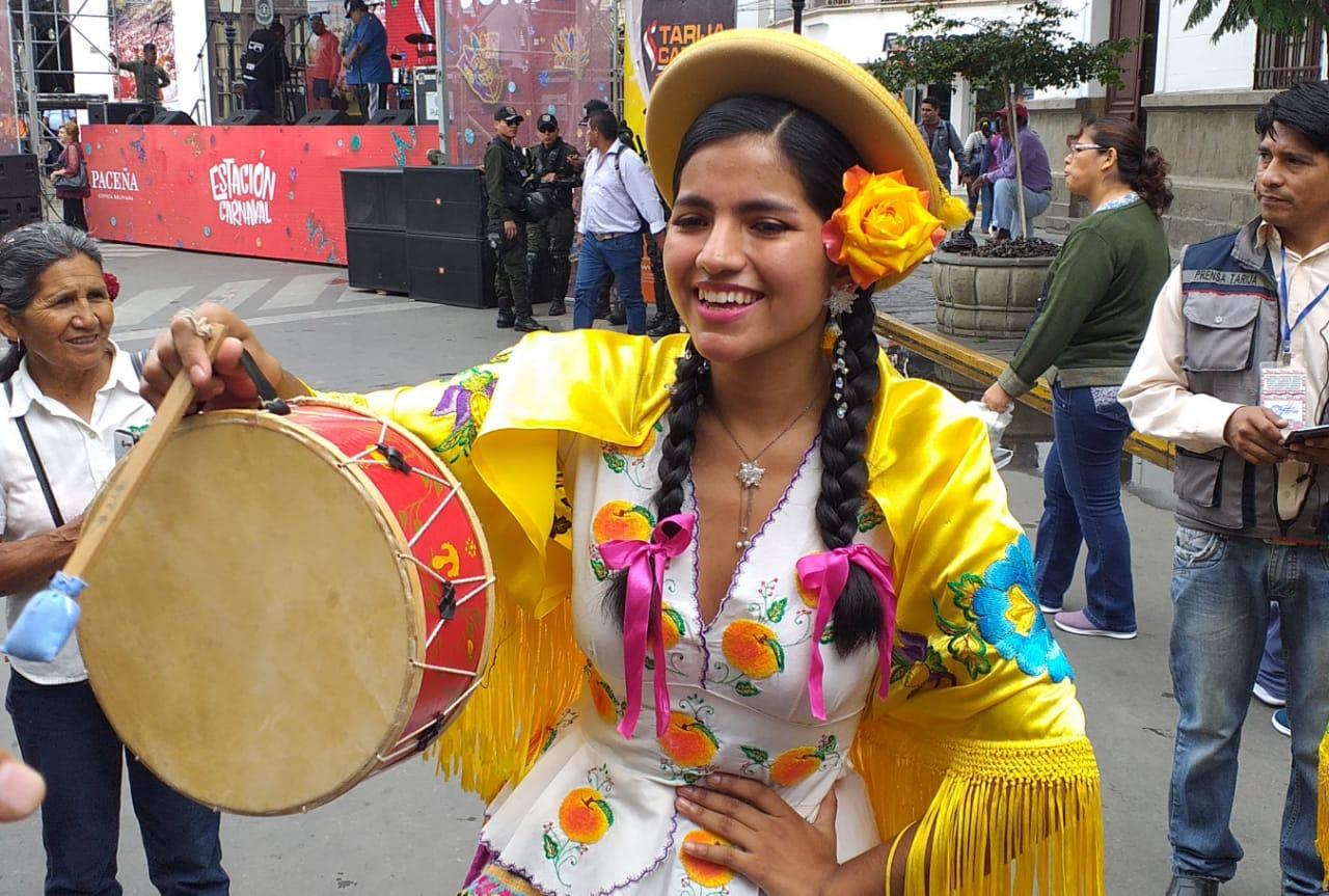 Corso, mojazón y albahaca, se calienta el Carnaval Chapaco 2020