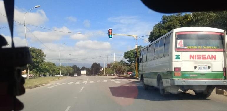 Los semáforos de la ciudad requieren reparación constante