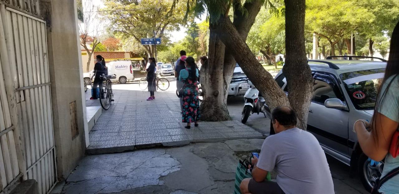 Importadoras suben precios de barbijos y alcohol en gel en Tarija