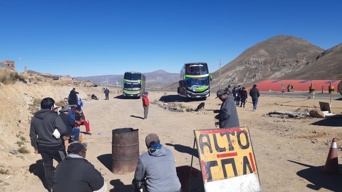 70 pasajeros que salieron de Tarija quedan varados en Potosí