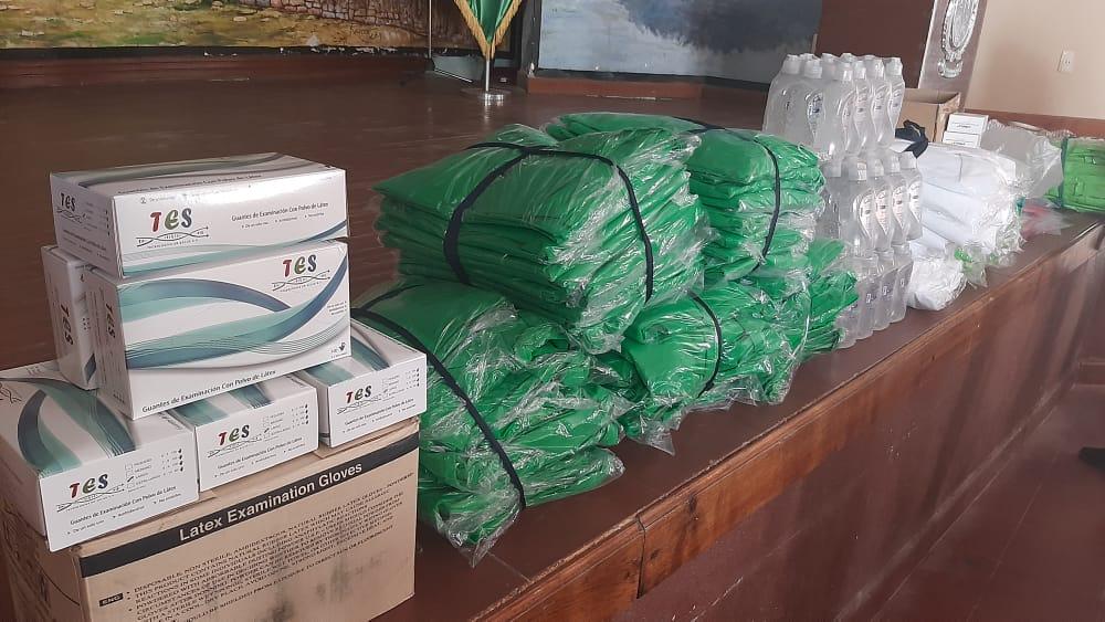 Oliva entrega material de bioseguridad a la Red de Salud de Padcaya