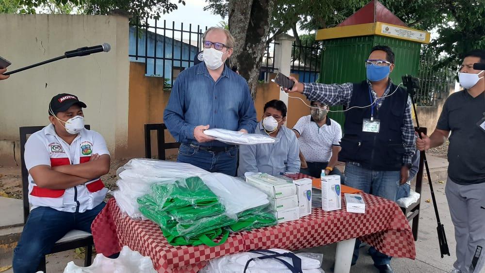 Caraparí recibe equipos hospitarios y material de bioseguridad